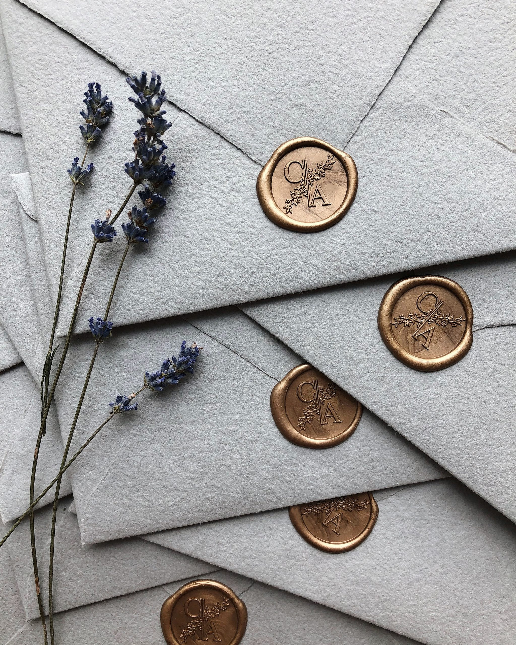 Handmade envelopes with wax seals_Papira