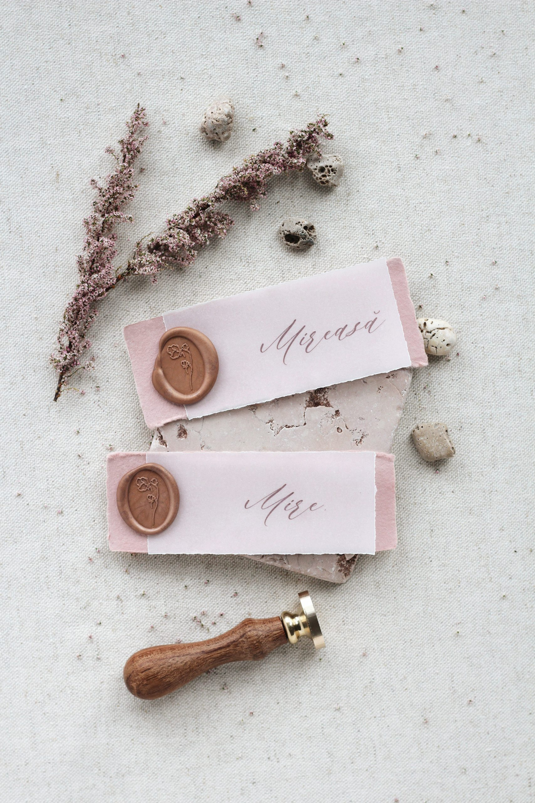 Place Cards with Wax Seals_Papira